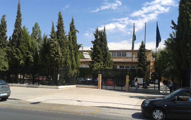 fachada-colegio-sierra-nevada